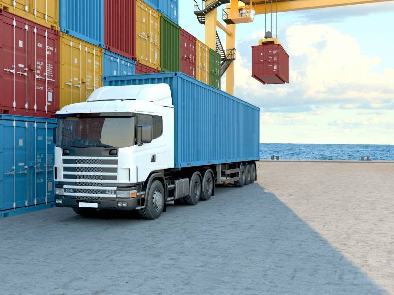Transport routier de containers.